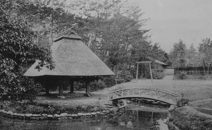 八丈島より移築した穀倉(昭和14年)
