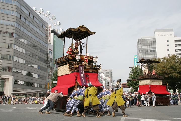 名古屋まつりで曳かれる唐子車(2008.10.12 撮影)
