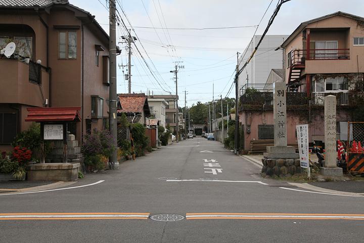 別小江神社へとつづく参道