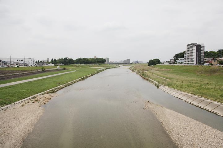 矢田川橋から天神橋方向を望む