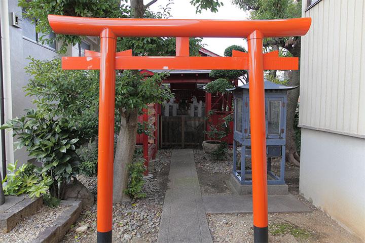 岳桂院境内にある稲荷神社